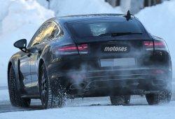 Porsche Panamera 2016 espiado: interior y nuevos faros traseros