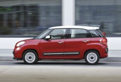 Italia - Enero 2015: El Fiat 500L alcanza el segundo puesto