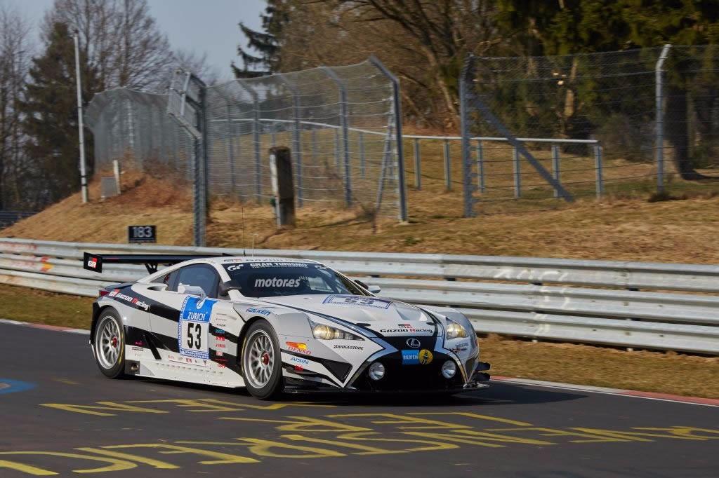 Los Lexus LFA y Lexus RC de Gazoo Racing se ponen a punto para las 24 Horas de Nürburgring 2015