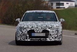 Audi A4 2016 espiado nuevamente