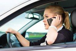 Las consecuencias de distraerse con el móvil al volante