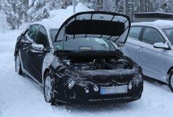 Kia Cee'd 2016, con su motor al descubierto