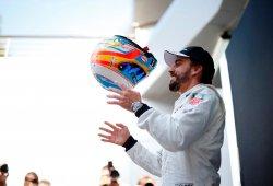 """McLaren sale en defensa de Alonso: """"Es feliz aquí"""""""