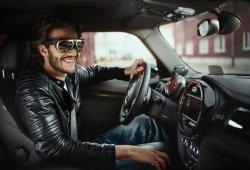 MINI nos muestra otra forma de conducir, con gafas de realidad aumentada