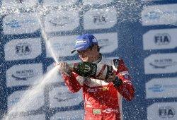 Nelson Piquet Jr. vence en Long Beach