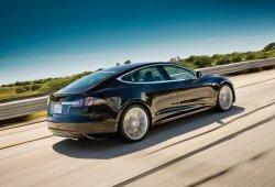 Noruega - Marzo 2015: El Tesla Model S regresa a los puestos de honor