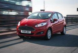 Reino Unido - Marzo 2015: Ford Fiesta y Nissan Qashqai baten sus récords de ventas