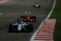 Williams ve a Ferrari alejarse en la persecución a Mercedes