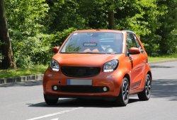 El nuevo Smart ForTwo Cabrio se muestra descapotado