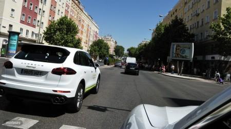 Conducción eficiente con Porsche híbridos, Cayenne contra Panamera