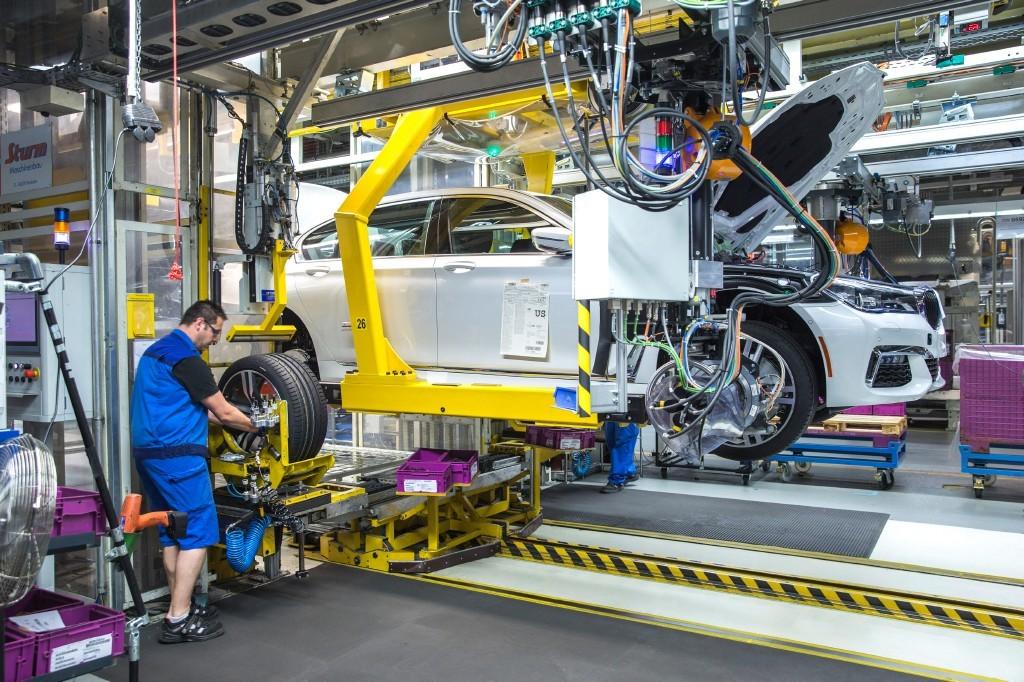 El BMW Serie 7 2016 inicia su producción en la planta de Dingolfing