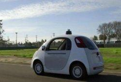 El coche de Google ya circula por California
