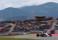 Rosberg conquista Austria; Alonso se queda en el muro en la primera vuelta