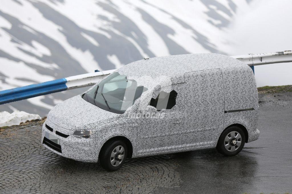 Skoda Roomster 2016, la Caddy con firma checa está de pruebas