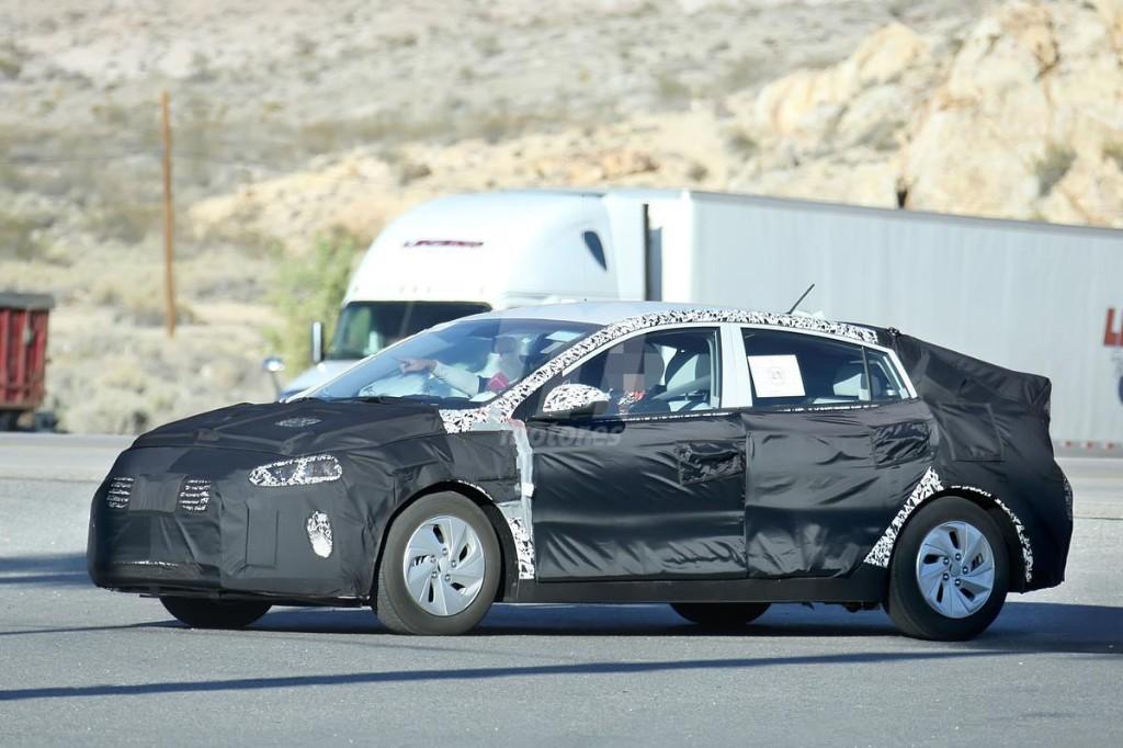 El nuevo Hyundai híbrido nos muestra su interior