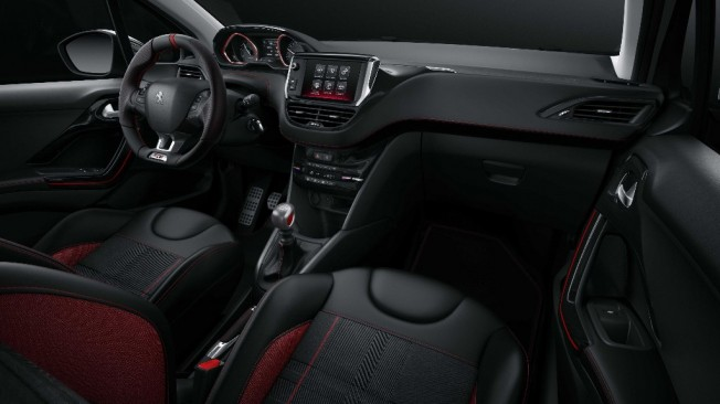 peugeot 208 gti 2015 estrenando nueva versi n firmada por peugeot sport. Black Bedroom Furniture Sets. Home Design Ideas
