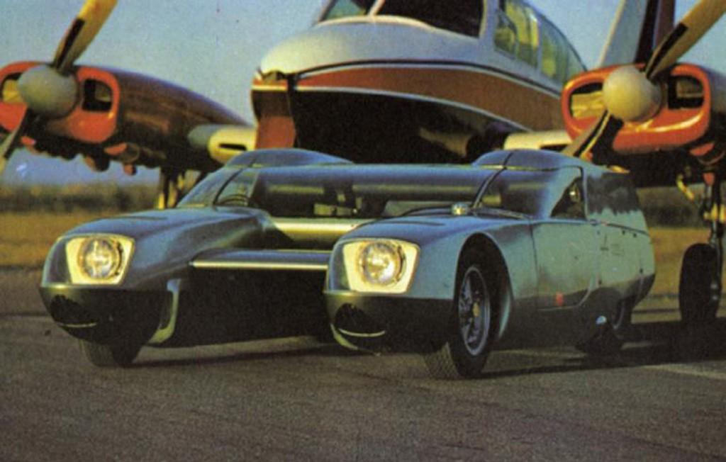 OSI Silver Fox, el coche partido en dos