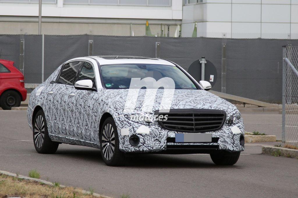 El Mercedes Clase E 2016 prepara una versión Maybach
