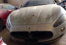 144 coches de lujo esperan su destino abandonados en Vietnam