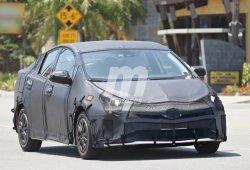 El Toyota Prius 2016, fotos espía desvelando su interior