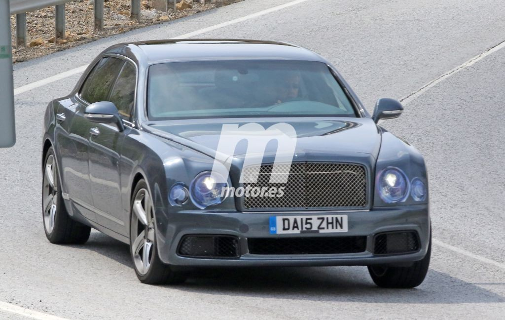 Bentley Mulsanne 2016, primeras fotos del facelift