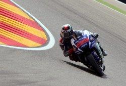 Jorge Lorenzo gana en Motorland y se acerca a Rossi
