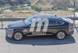 Esta mula de BMW Serie 5 GT 2017 equipa un sistema híbrido con pila de combustible