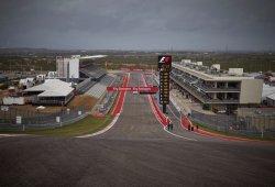 Rosberg domina en un circuito de Austin mojado