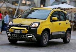 Italia - Septiembre 2015: El Fiat Panda pisa el acelerador