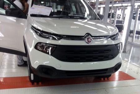 Fiat Toro, la nueva pick-up brasileña se muestra por completo