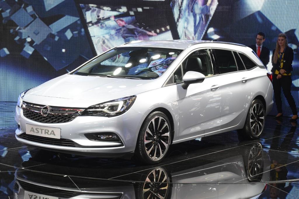 Opel Astra Sports Tourer 2016: así son sus motores, con un nuevo diésel biturbo de 160 CV