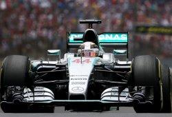Hamilton y Rosberg se llevan la última FP1 de 2015