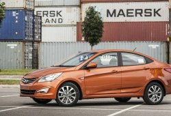 Rusia - Octubre 2015: El Hyundai Solaris confirma su liderazgo