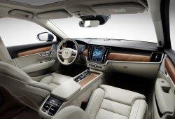 El Volvo S90 descubre los detalles de su interior en video