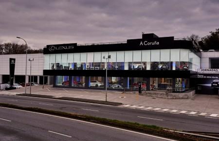 Lexus estrena imagen en su nuevo concesionario de A Coruña