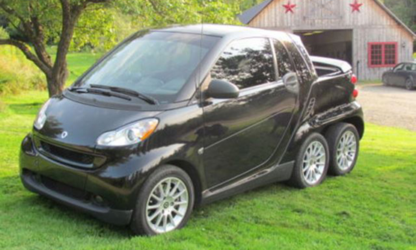 A la venta en eBay un Smart ForTwo Pickup de seis ruedas, ¡Qué bizarro!