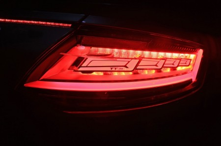 Audi desvela los faros OLED del TT RS en el CES 2016