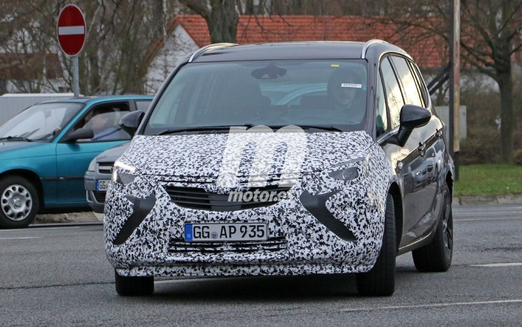 Cazado el facelift del Opel Zafira Tourer