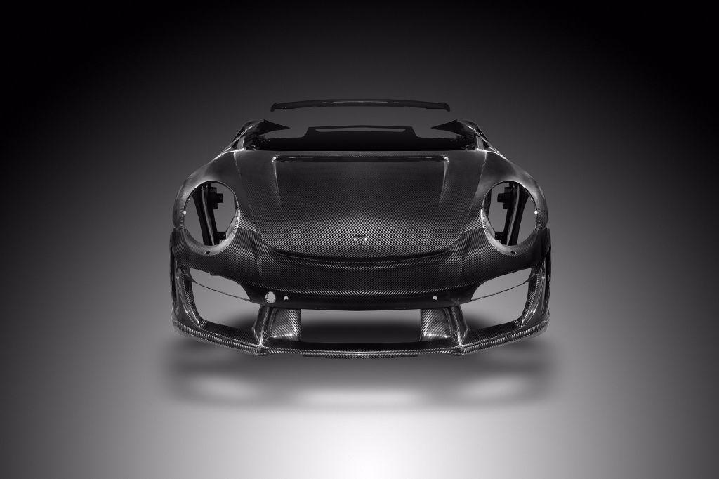 """Cuerpo de carbono """"made in Rusia"""" para los Porsche 911 Turbo y Turbo S"""