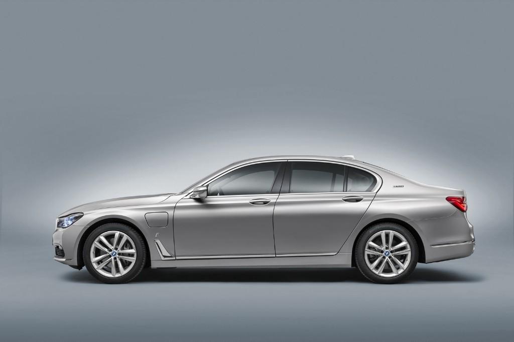 BMW 740e iPerformance: llega el Serie 7 híbrido enchufable