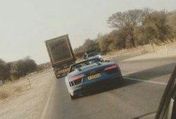 El Audi R8 Spyder se pasea al natural en Namibia
