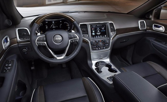 Jeep Grand Cherokee 2015 - interior
