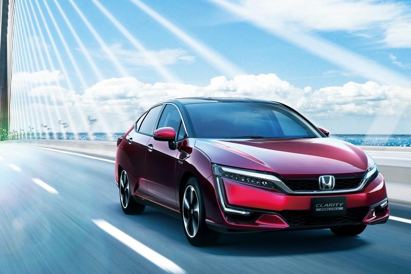 El Honda Clarity Fuel Cell aterriza en Japón homologando 750 km de autonomía