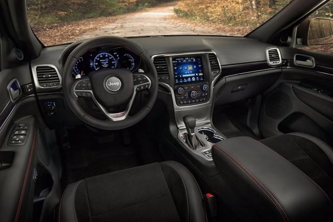 Jeep Grand Cherokee Trailhawk 2017 - interior
