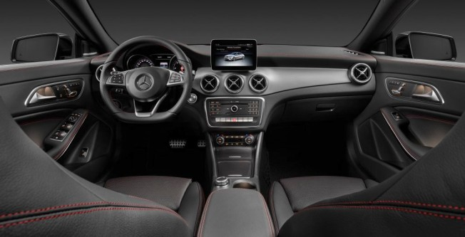 Mercedes CLA Shooting Brake 2016 - interior