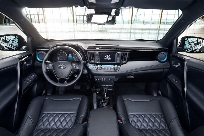 Toyota RAV4 Hybrid Sapphire - interior