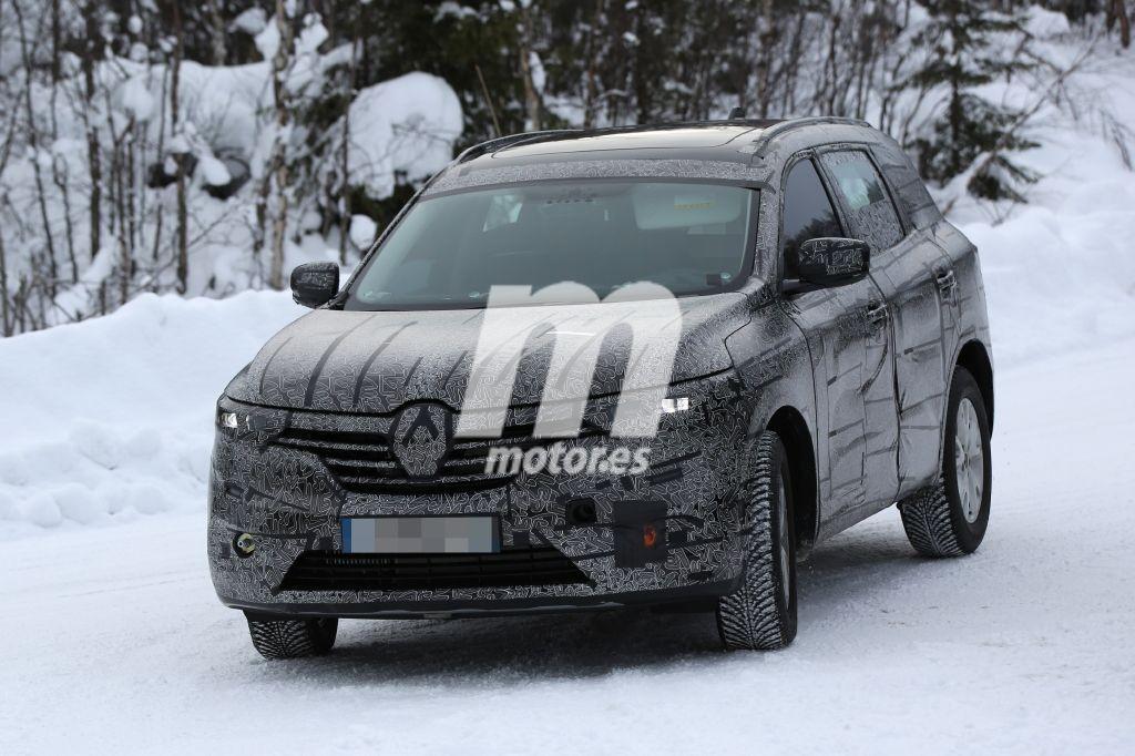 El Renault Maxthon vuelve a ser cazado en la nieve