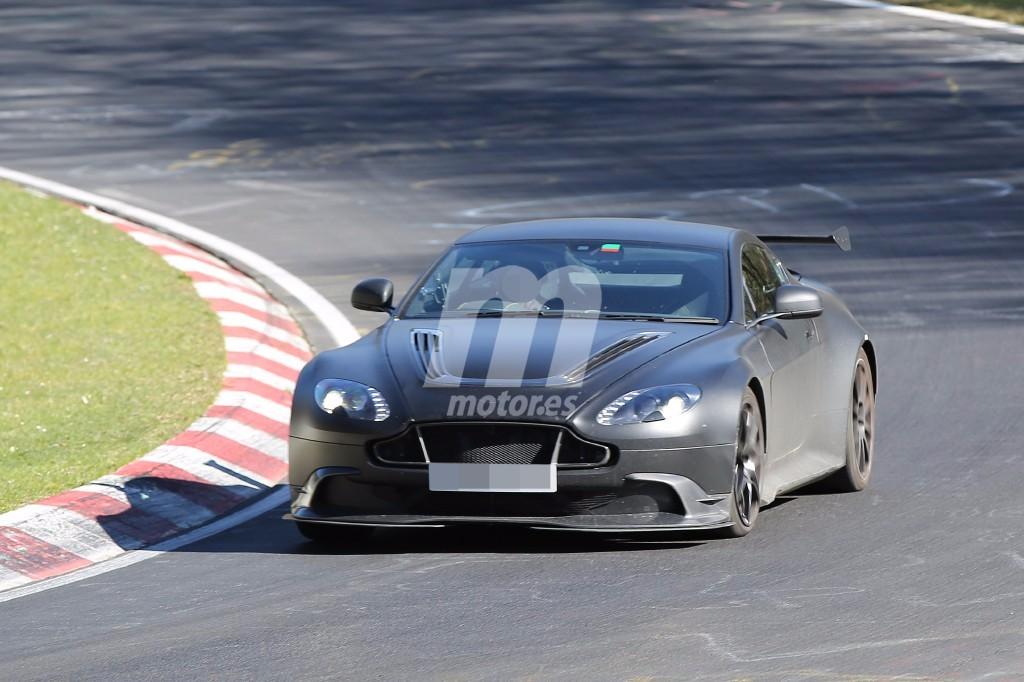 El Aston Martin Vantage GT8 2017 se pasea por Nürburgring