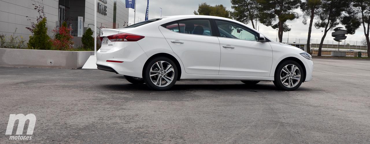 Prueba Hyundai Elantra 2016, la experiencia es un grado