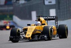Debut de Sergey Sirotkin en un viernes gris de Renault